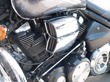 Free Chrome Plated Motorcycle Engine Stock Photography - 39838112