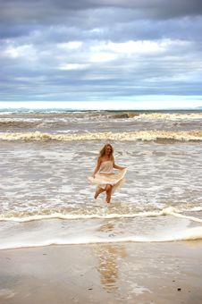 Free Stormy Beach Stock Photography - 3991772