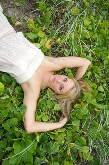 Free Girl In The Grass Royalty Free Stock Photography - 3991937