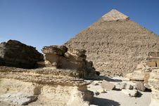 Free The Great Pyramid Of Giza End Rubble Of The Templ. Stock Images - 3996654