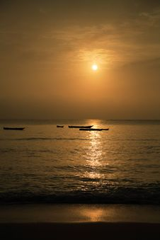 Free Indian Ocean Sunrise Stock Photography - 3999792