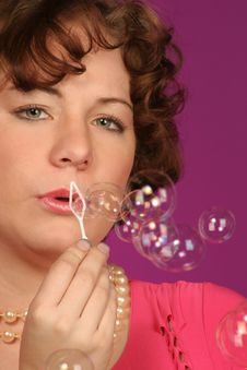 Free Still Blowing Bubbles Stock Photography - 405072