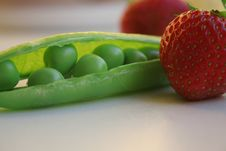 Free Grean Peas Royalty Free Stock Photo - 407285