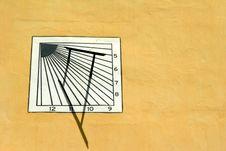 Free Sun-dial Stock Image - 407591
