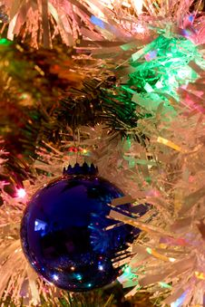 Free Blue Ornament Royalty Free Stock Image - 409996