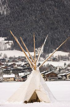 Free Tipi In Snow Royalty Free Stock Photo - 4002715
