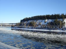 Free Cold Winter River Stock Image - 4004611