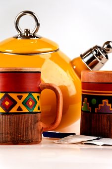 Free Tea Pot With Handmade Mugs Royalty Free Stock Image - 4007526