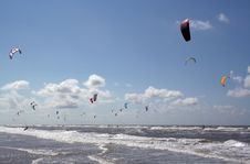 Free Kite Surfer Royalty Free Stock Photo - 4010325