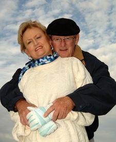 Free Senior Couple Snuggling Stock Photos - 4010993