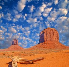 Free Monument Valley Navajo Tribal Park Stock Photos - 4015583