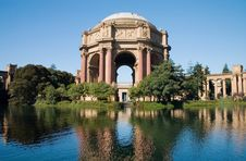Free Palace Of Fine Arts Royalty Free Stock Photo - 4018885