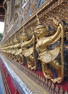 Free A Row Of Statues, Bangkok Royalty Free Stock Image - 4019066