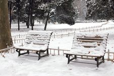 Free Park Bench In Snow Stock Images - 4021834