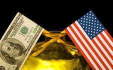 Free Flag Royalty Free Stock Image - 4022816