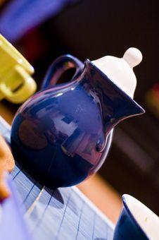Free Blue Tea Pot Royalty Free Stock Image - 4022836