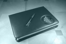 Organizer And Pen Royalty Free Stock Images