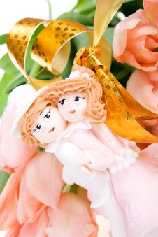 Flowers And Souvenir Enamoured Couple Royalty Free Stock Photos