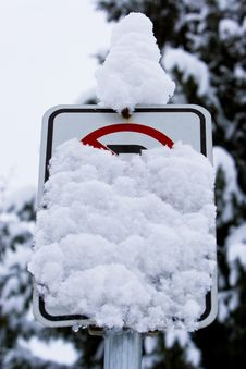 Free Snow Covered No Parking Sign Stock Photos - 4030213