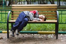 Free The Boy On A Bench Stock Images - 4034004