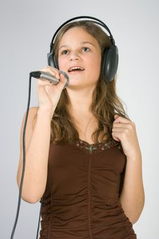 Free Young Girl Singing Royalty Free Stock Photos - 4034838