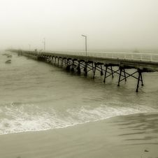 Free Disappearing Pier Stock Photo - 4040340