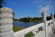 Free Stone Brige, Lake And Pagoda In The Park Stock Photography - 4042952