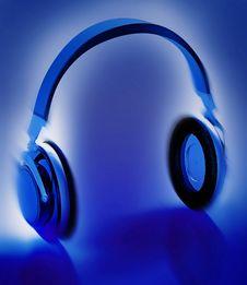 Free Headphones Stock Images - 4043424