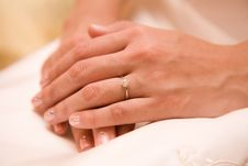 Free Bride S Hands Royalty Free Stock Photos - 4047428