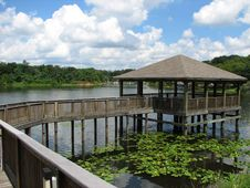 Free Gazebo In The Water Royalty Free Stock Photography - 4057067