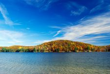 Free Autumn Lake Royalty Free Stock Photography - 4057157