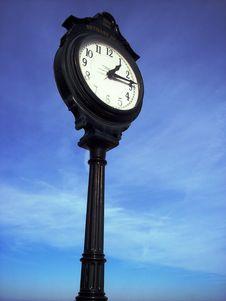 Free Black Clock Royalty Free Stock Photography - 4058157