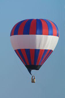 Free Hot-air Balloon Flying Stock Image - 4062021