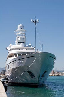 Free 60 Million Dollar Yacht Stock Photo - 4066380