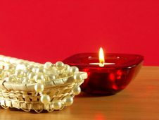Free Candle And Perls Stock Photos - 4069263