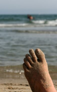 Free Foot  By The Sea Royalty Free Stock Photos - 4076218