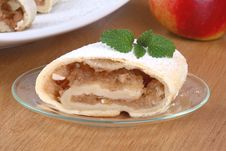 Free Apple Roll (strudel) Stock Photo - 4076370