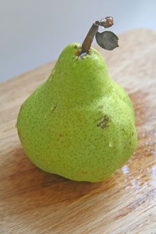 Free Solitary Pear Stock Photos - 4076593