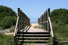Free Walkway To The Beach Royalty Free Stock Images - 4077069