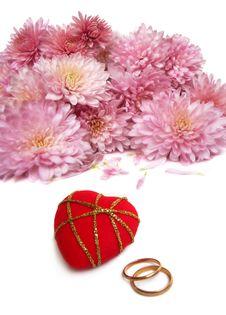 Wedding Rings With Chrysanthemum Stock Photos