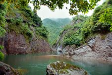 Free A River Between Two Mountains, Floating Boat,in China Royalty Free Stock Photos - 40740138