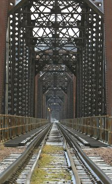Free Railroad Bridge Royalty Free Stock Photo - 4082065