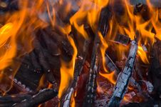 Free Burning Embers Fireplace Stock Images - 4084794