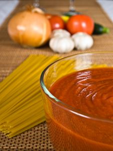 Free Spaghetti Sauce & Ingredients Stock Images - 4084974