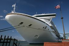 Large Cruise Ship In Port Royalty Free Stock Images