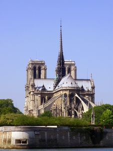 Free Back Of Notre Dame Cathedral Royalty Free Stock Image - 4087556
