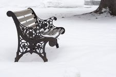 Free Wrought Iron Bench In The Snow Royalty Free Stock Images - 4088129