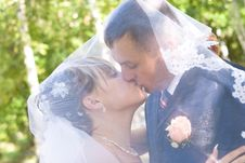 Free A Kiss Under The Veil Stock Image - 4088741