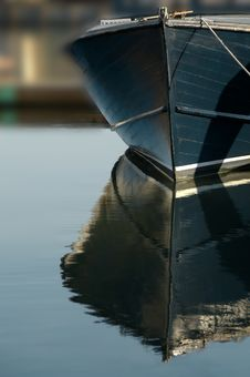 Free Boat Bow Reflections Royalty Free Stock Images - 4088789