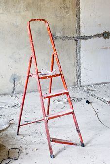 Free Ladder In Messy Renovated Room Royalty Free Stock Images - 4089129